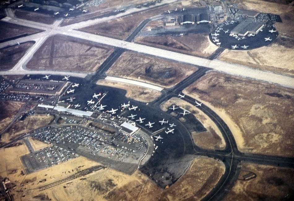 A 1954 aerial of Idlewild Airport.